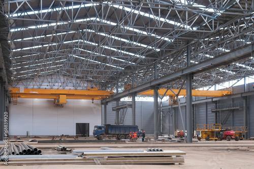 Papiers peints Les vieux bâtiments abandonnés Factory warehouse overhead crane