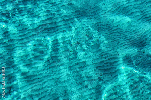 Foto Light blue water in sea lagoon
