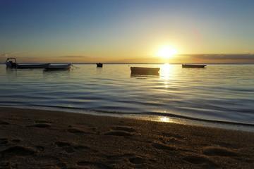 Barque de l'ile Maurice au soleil couchant