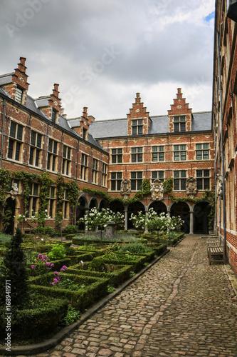 Valokuvatapetti Plantin-Moretus Museum garden in Antwerp, Belgium