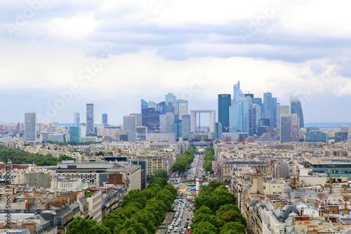 Papiers peints Paris Paris, France 2017: Financial district and The Avenue de la Grande Arme. Paris, France.