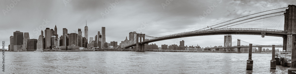 Fototapeta skyline - brooklyn bridge - new york