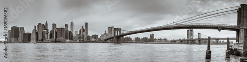 Fototapeta panoramę - brooklyn bridge - new york
