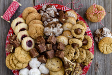 Holiday Cookie Gift Tray With ...