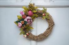 Shabby Chic Floral Wreath On W...