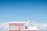 Różowy dom w niebie - 169221900
