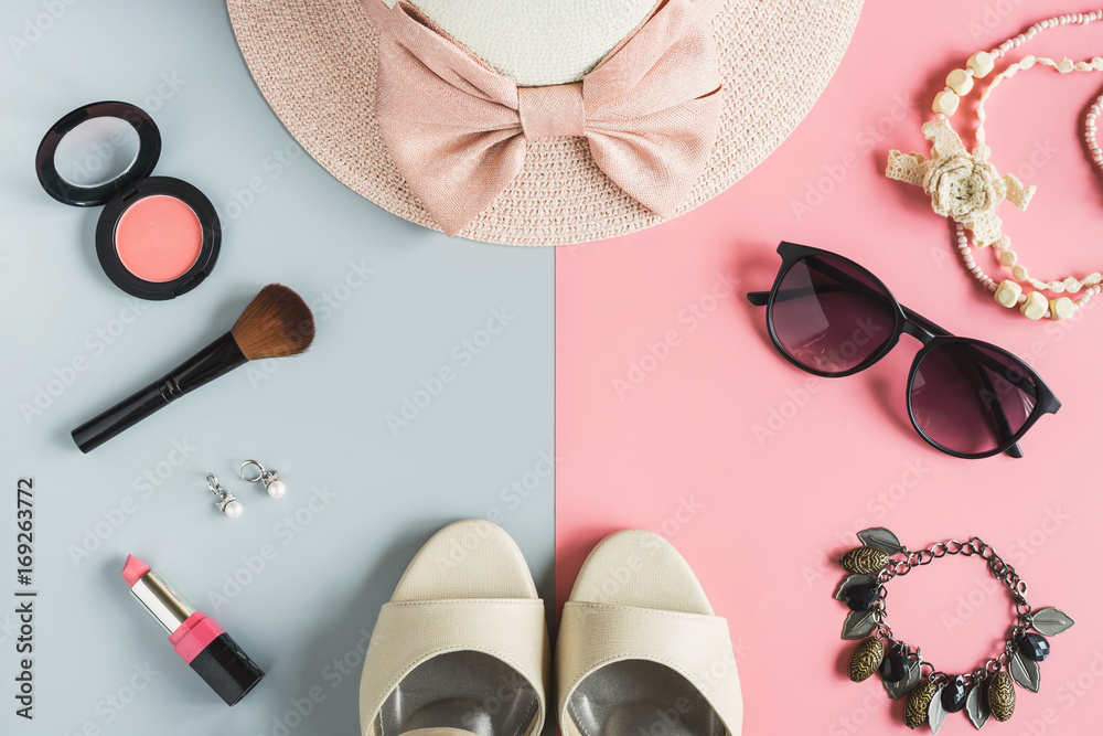 Fototapety, obrazy: women cosmetics and fashion items with copy space