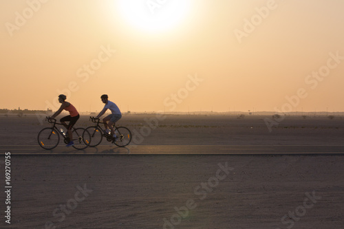 Foto op Plexiglas Fietsen Al Qudra Cycle track