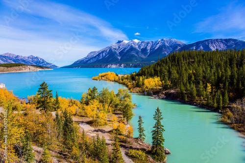 wspaniale-turkusowe-jezioro-abraham-w-kanadzie