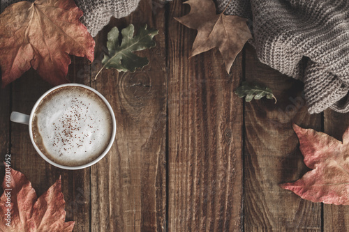 Photo Stands Autumn Hot coffee and autumn leaves