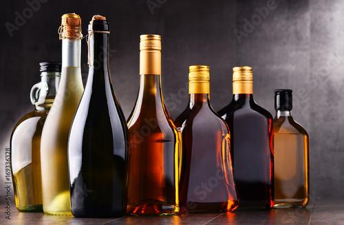Poster de jardin Bar Bottles of assorted alcoholic beverages