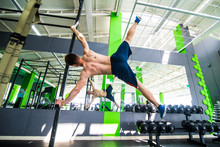Fitness Toes To Bar Man Side Pull-ups Bars Workout Exercise At Gym