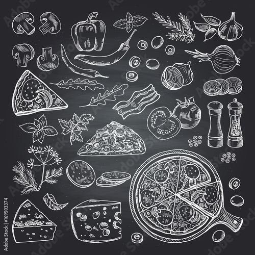 Fotografía  Illustrations of pizza ingredients on black chalkboard