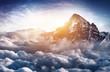 canvas print picture - Traumhafter Berggipfel hoch über dem Wolkenmeer