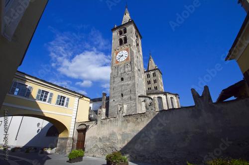 Aosta Campanile della Cattedrale di Santa Maria Assunta e San Giovanni Battista Canvas Print