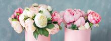 Flowers In Round Luxury Presen...