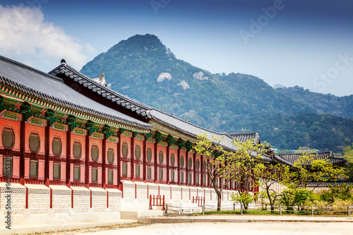 Stampa su Tela  Gyeongbokgung Palace in Seoul, South Korea.