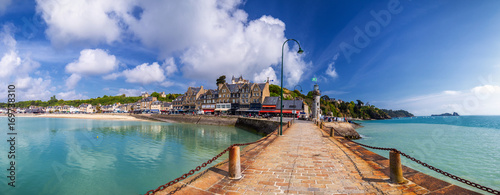 Canvas Panoramic view of Cancale, located on the coast of the Atlantic Ocean on the Bai