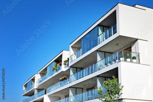 Fotografía Modern, Luxury Apartment Building