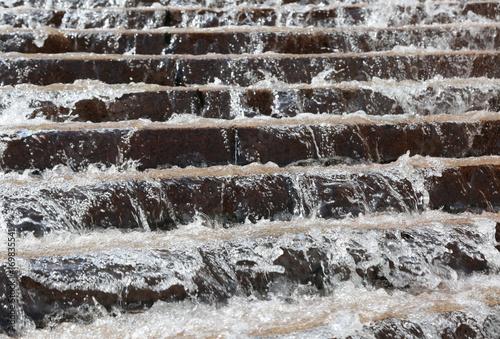 Plakat Powódź i schody najechane przez wodę