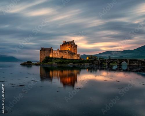 Foto op Plexiglas Kasteel Castle in Scotland at sunset