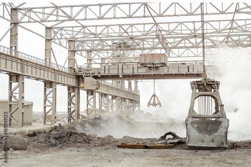 Fényképezés Steel frame industrial outdoors plant shop with overhead cranes