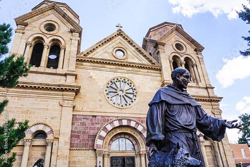 Naklejka premium Bazylika katedralna św. Franciszka z Asyżu w Santa Fe w Nowym Meksyku