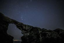 城ケ島馬の背洞門星空