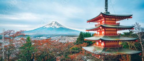 Fotobehang Bedehuis Mount Fuji, Chureito Pagoda in Autumn