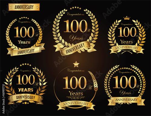 Fotografia  Anniversary golden laurel wreath