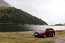 SUV Am Bergsee