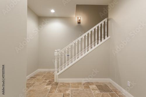 Fényképezés Basement Hallway Staircase