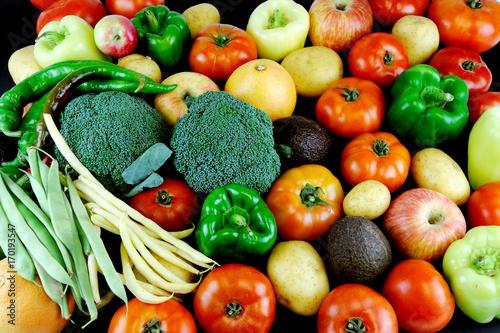 Zdjęcie XXL Świeży warzywo i owoc jako karmowy tło