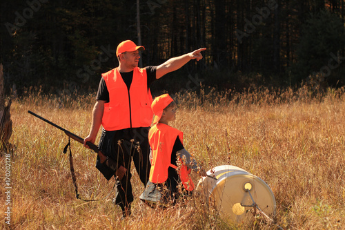 Poster Chasse Father and son are hunting