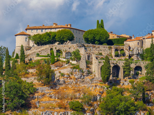 Photo  The fortified village of Gourdon situated high in the mountains is considered one of France's most beautiful villages