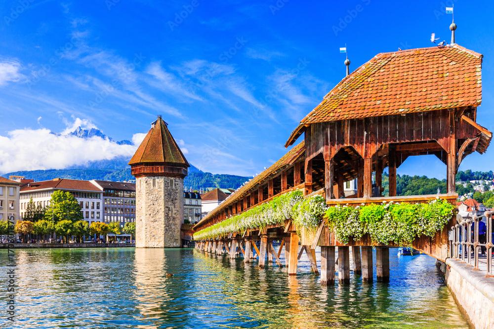 Fototapety, obrazy: Lucerne, Switzerland. Chapel bridge.