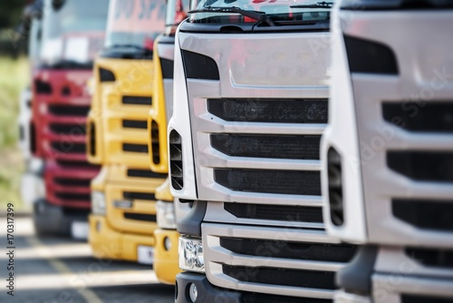 фотография Semi Trucks For Sale