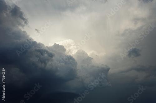 burzowe-chmury-nad-frankfurtem-nad-menem