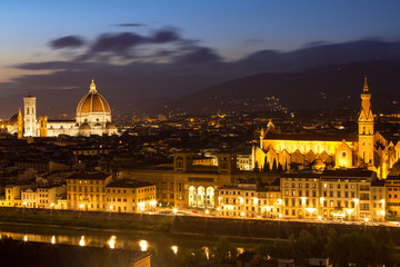 Obraz na Szkle Miasta Panorama view of Florence after sunset from Piazzale Michelangelo