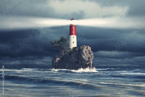 latarnia-morska-w-sztormowej-pogodzie