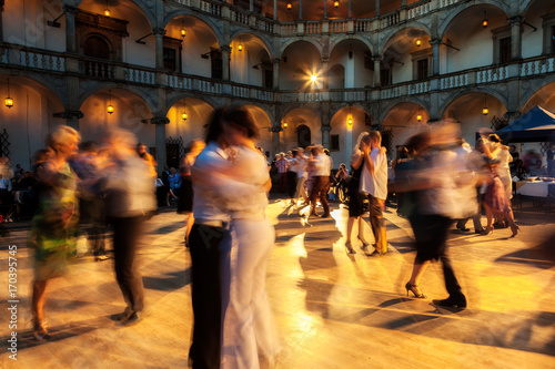Foto  Tango by evening 03