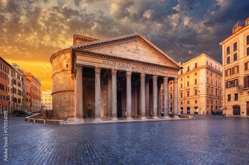 Zdjęcie XXL widok Panteonu rano. Rzym. Włochy.