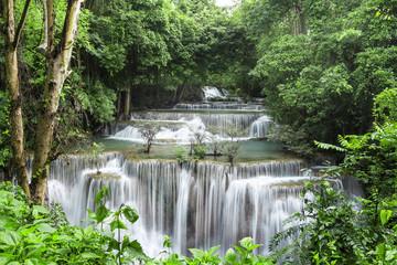 Fototapeta Wodospad Huai Mae Khamin Waterfall (Fourth floor), tropical rainforest at Srinakarin Dam, Kanchanaburi, Thailand.Huai Mae Khamin Waterfall is the most beautiful waterfall in Thailand. Unseen Thailand