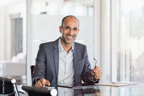 Fotografía  Happy mature business man