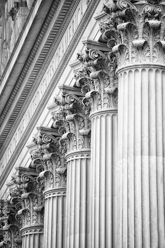 Fotografie, Obraz  Columns at National Archives Building