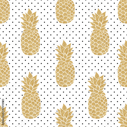 seamless-pattern-with-gold-pineapples-on-polkadot-background-black-white-and-gold-pineapple-pattern-summer-tropical-background