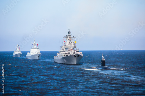 Fotografia A line of modern russian military naval battleships warships in the row, norther