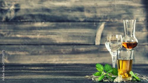 Obraz na plátně  Alcoholic drinks ice mint leaves Food beverages vintage toned