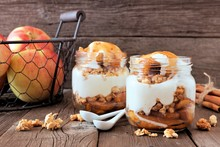 Autumn Baked Apple Parfaits Wi...