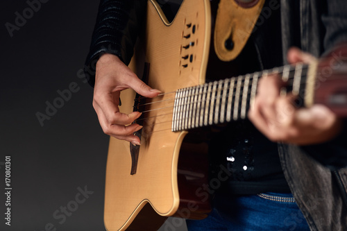 Photo Close-up of woman with guitar